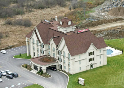 Hôtel Le Saint-Martin, 30,000 sq. ft., 40 rooms, Bromont.
