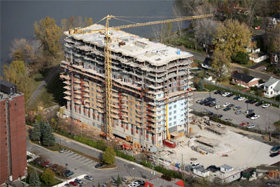 Domaine des Forges Phase I, seniors' residence, underground parking, 14 residential floors, 267,000 sq. ft., Laval.